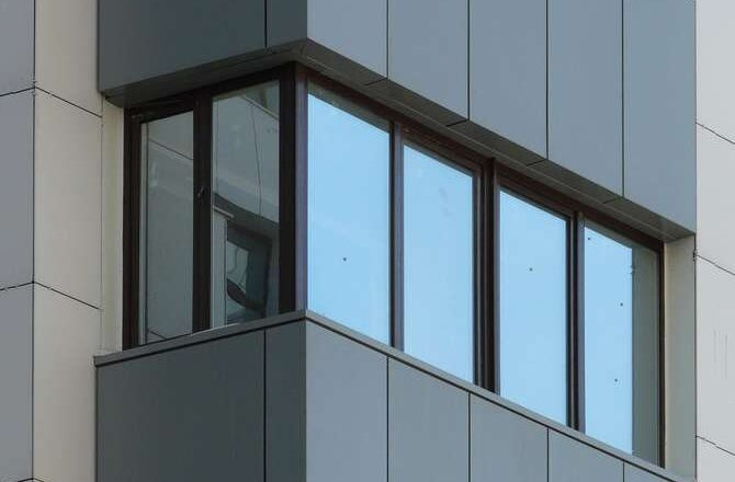 Сколько стоит затонировать окна