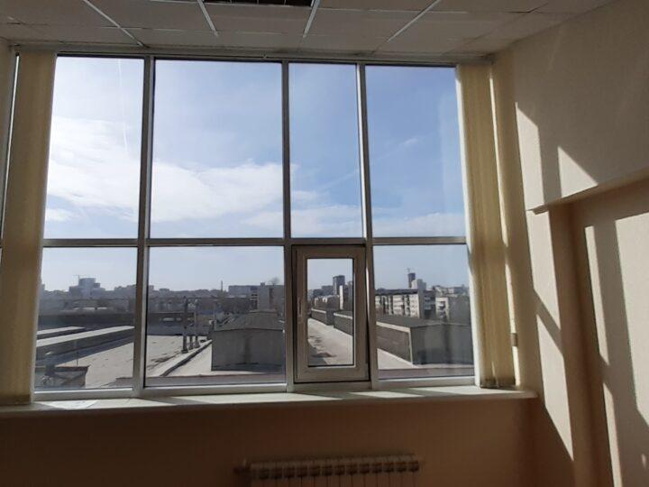 тонировка окон в офисе