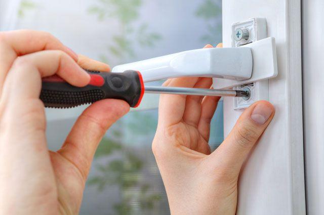 капитальный ремонт механизмов пластикового окна